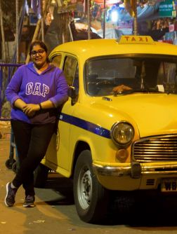 Peeli Taxi! At kolkata during midnight stroll.
